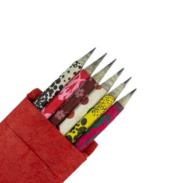 Bleistifte in Papierbox
